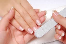 manicure-fra-saitarn-wellness1
